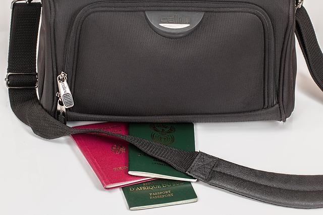 In den Urlaubskoffer packe ich unbedingt meine e-card