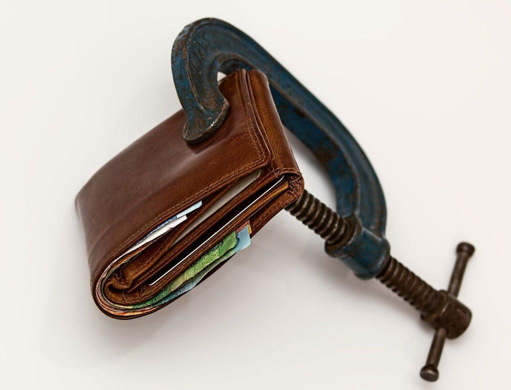 Wen wundert es? Viele Haushalte sind jetzt finanziell unter Druck!